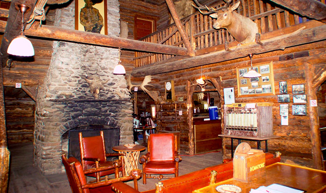 Yellowstone cabins wyoming lodging pahaska tepee resort wy for Yellowstone log cabin hotel
